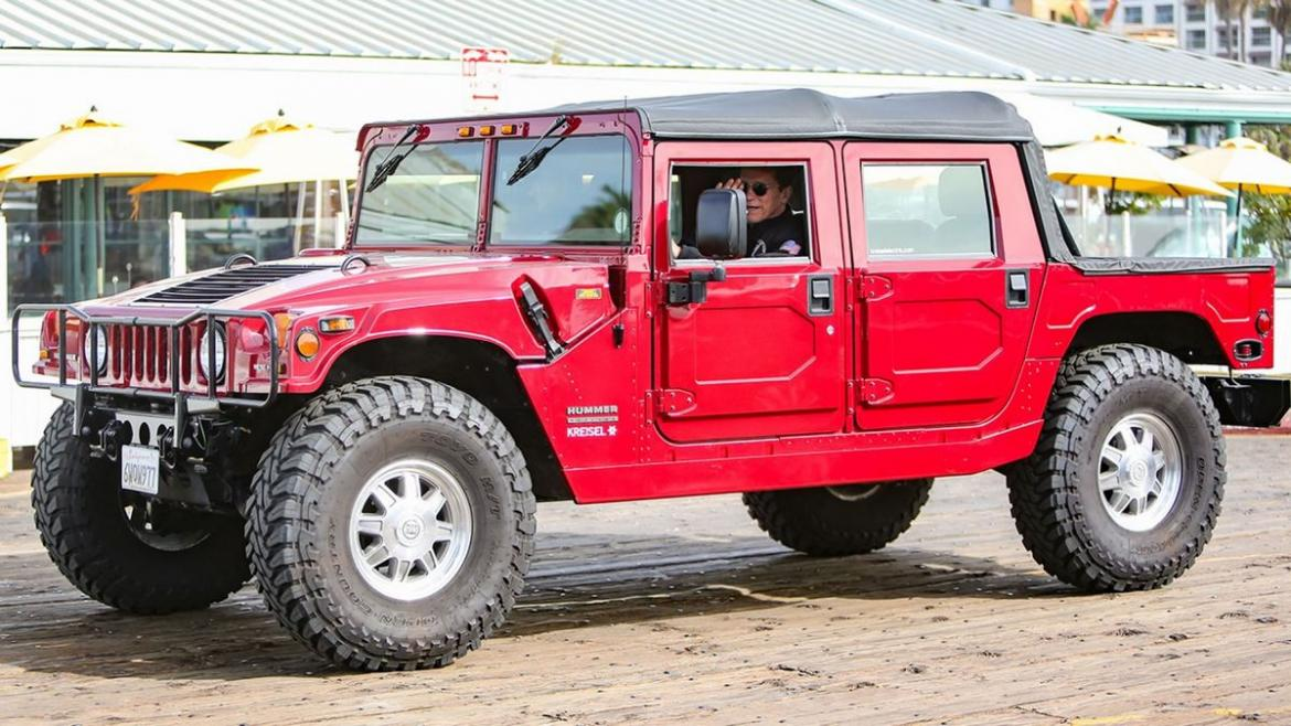 Arnold Schwarzenegger spotted driving his electric Hummer H1 -