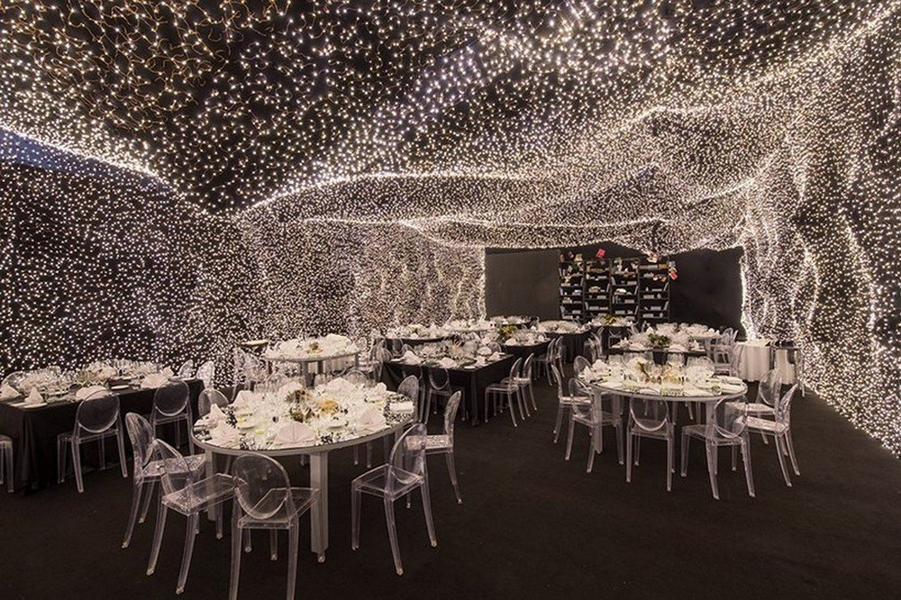 An Instagrammers dream come true – The 'Interstellar' restaurant in Mexico city is decorated with 250,000 LED lights