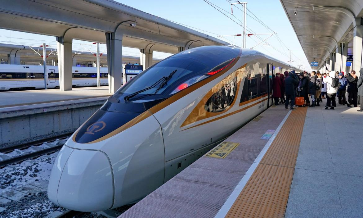 China does it again, launches the world's fastest driverless bullet train -