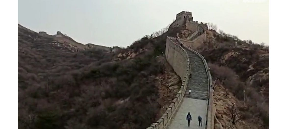 The Great Wall of China was completley deserted on the first day of its reopening : Luxurylaunches