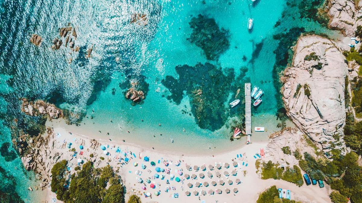 Still fancy a tan in Sicily? These 6.5′ feet plexiglass cubicles are an Italian company's answer to a safe beach life during the Coronavirus pandemic