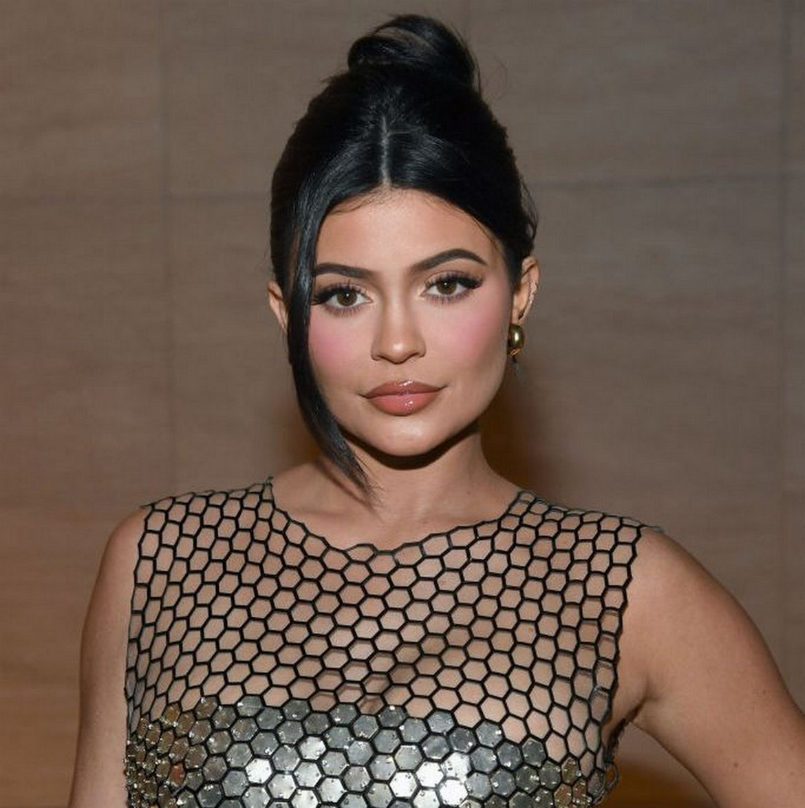 At 22, Kylie Jenner does it again - For the second time in a row she is the Forbes youngest self made billionaire in the world : Luxurylaunches