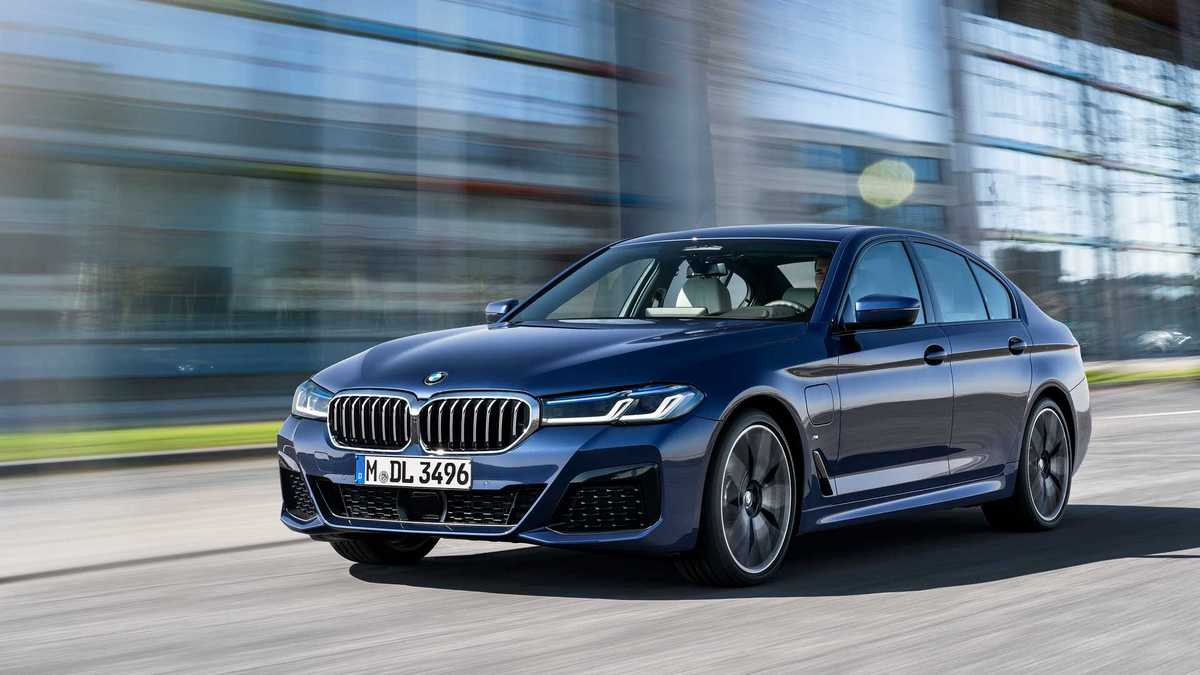 2021 BMW 5 Series revealed with an updated look and mild-hybrid technology : Luxurylaunches