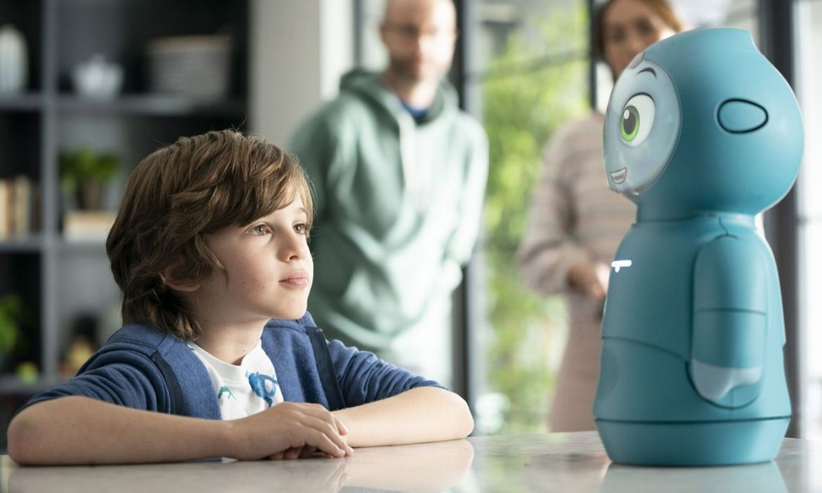 Say hello to Moxie, a $1,500 robot promoting cognitive learning in children : Luxurylaunches