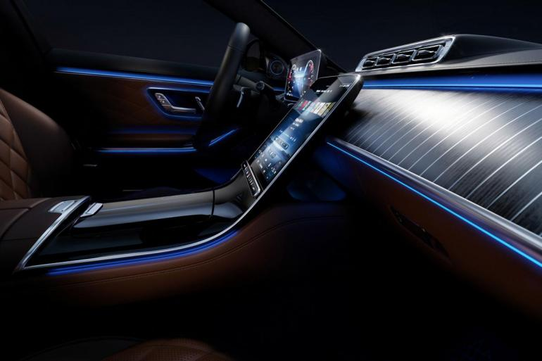 Fitted with hundreds of advanced fiber optic fixtures the 2021 Mercedes S-Class interior takes