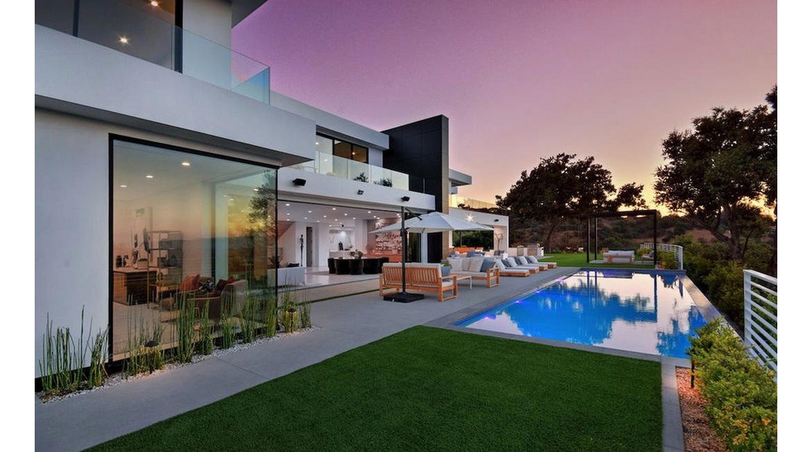 A movie theater, 300 bottle wine room, infinity pool and a lot more – 24 year old Youtuber David Dobrik has just got a $9.5 million home here is your look inside