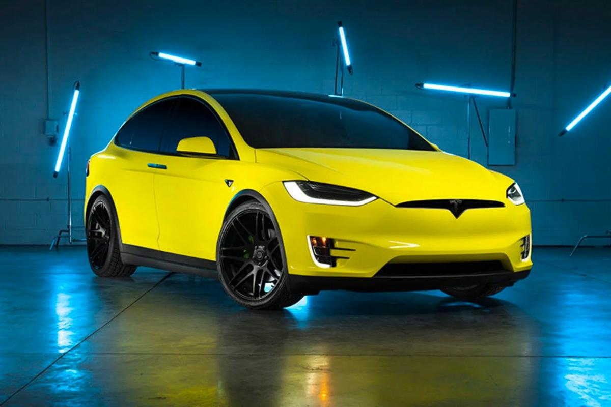After finally realising that its colors are boring Tesla has launched a car wrapping service : Luxurylaunches