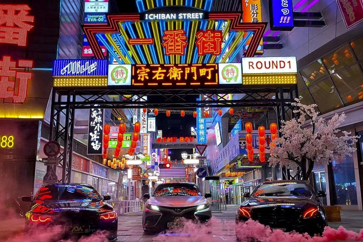 Bright neon lights, road signs, bus stop and more – China has blatantly recreated entire Japanese shopping streets and the locals are loving it