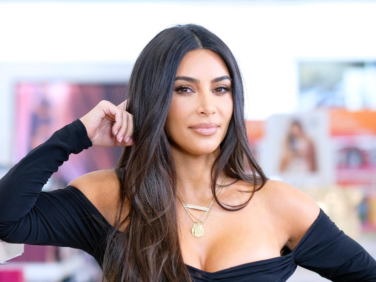 Kim Kardashian Tells David Letterman Than She Makes More