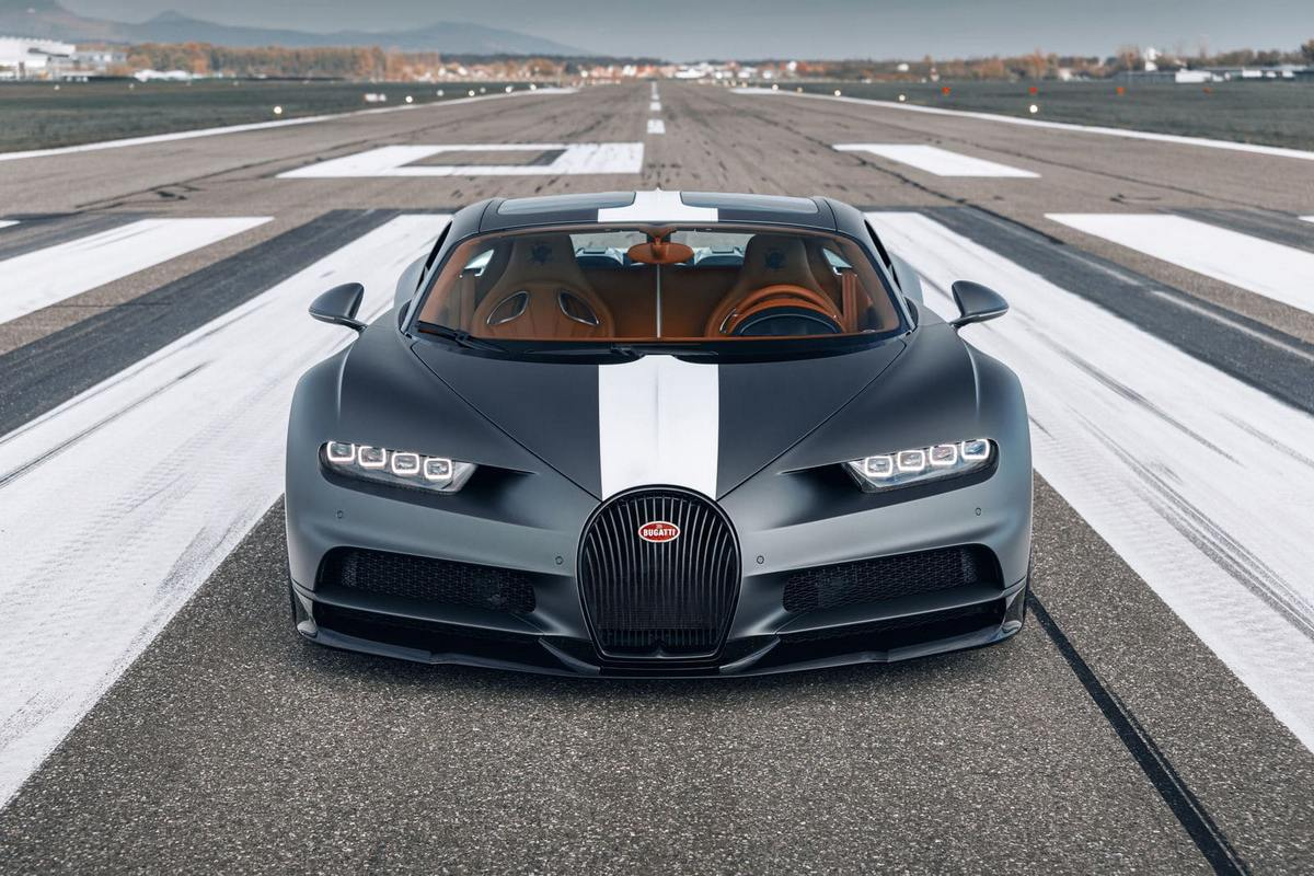 The newest limited edition Bugatti Chiron costs $3.42 million and honors the French daredevil airmen of the early 20th century