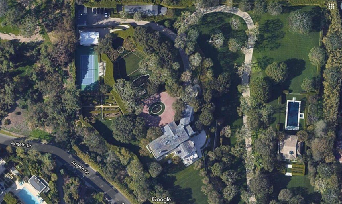 From Jeff Bezos's $185M estate to the $125M mammoth home of WhatsApp founder Jan Koum – Here are 9 most expensive homes sold in the US for 2020