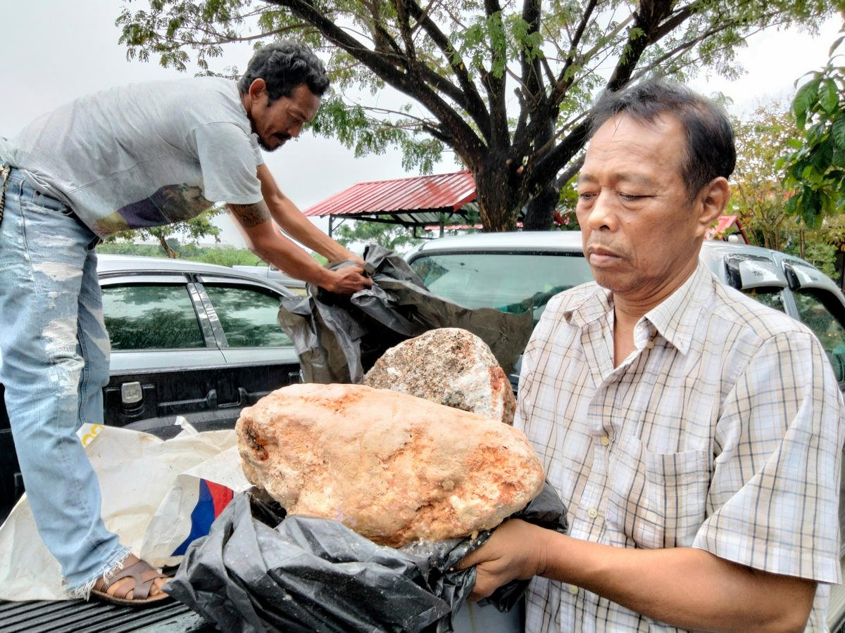 Catch of his life – Out for a walk on the beach this struggling Thai fisherman found the worlds biggest blob of whale vomit worth a staggering $3.2 million