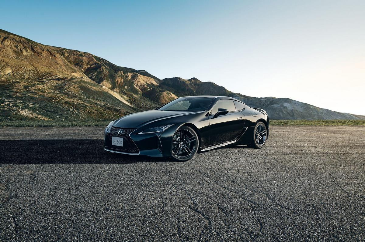 The new Lexus LC500 Inspiration Series coupe decked out in Osdiian black is a thing of beauty