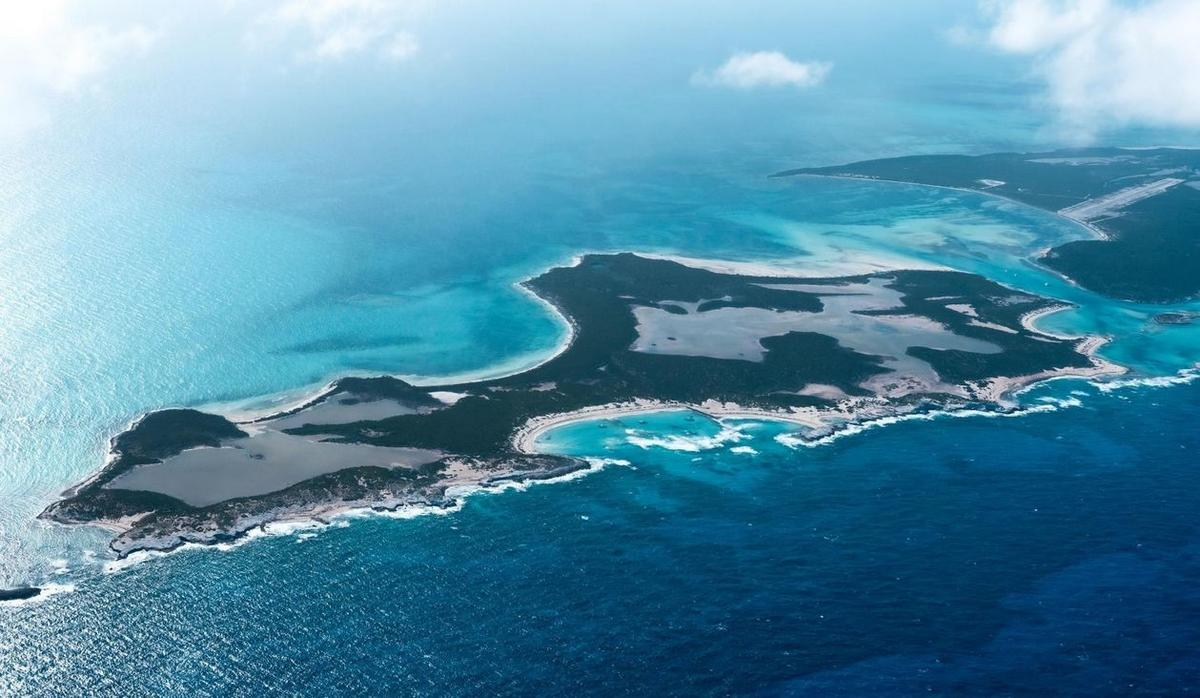 40 times bigger than the White House – The largest privately held island in the Bahamas is on sale for $19.5 million