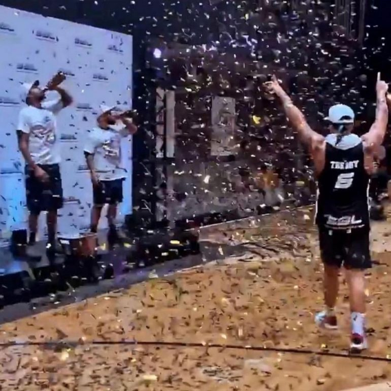 Drake being Drake gifted his entire team $50,000 diamond rings celebrate  Rec Basketball League Championship : Luxurylaunches
